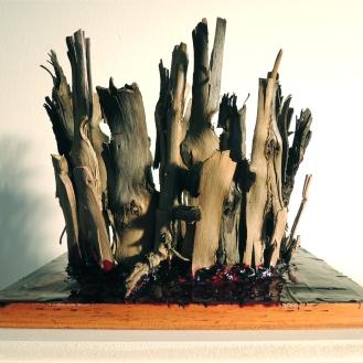 Der nacht Schwimmer, driftwood, tar, red paint, 2013